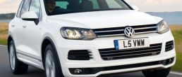 2013 Volkswagen Touareg R-Line on sale in UK, prices