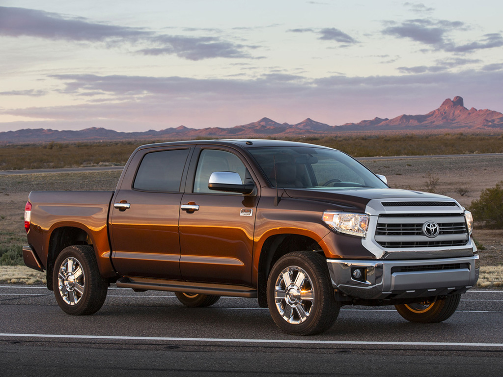 toyota unveiled the redesigned 2014 tundra full size pickup truck at