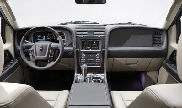 2015-Lincoln-Navigator-7