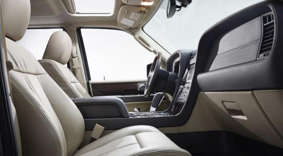 2015-Lincoln-Navigator-8