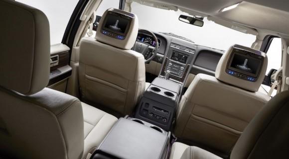 2015-Lincoln-Navigator-9