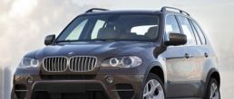 2011 BMW X5 gets new face and engines